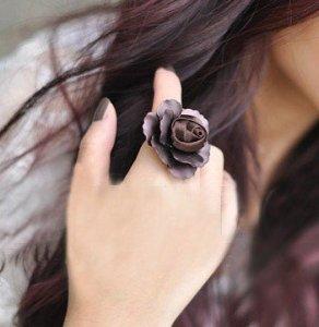 Iron-sheet-rose-ring-fabric-flower-heart-ring-brown-metal-alloy-ring-simple-generous-big-finger