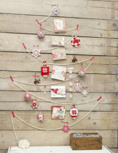 218831-string-ornament-with-cards-christmas-wall-tree